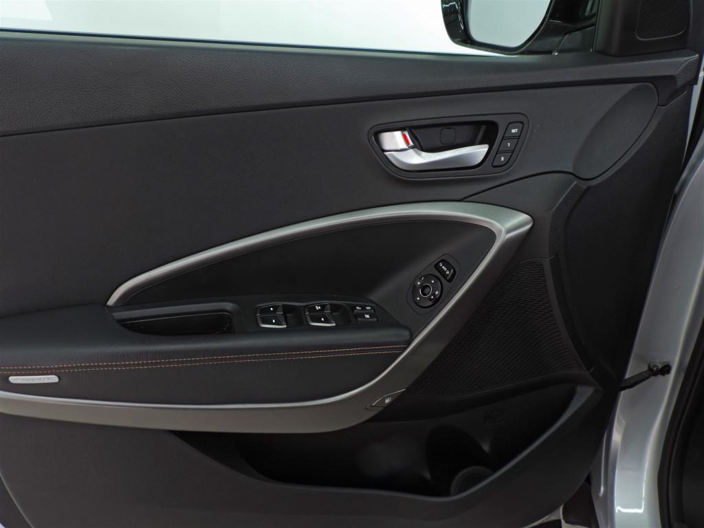 Imagem do veículo HYUNDAI SANTA FÉ 3.3 7 LUGARES  AUTOMÁTICO