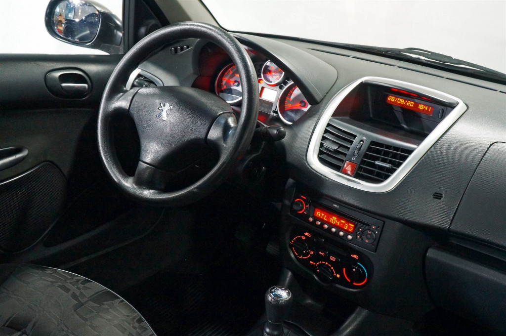 Imagem do veículo PEUGEOT 207 Passion 1.4  XR Sport