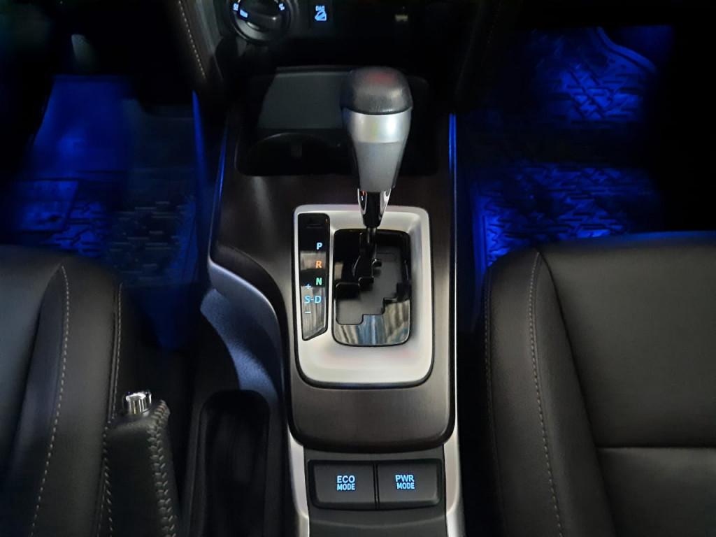Imagem do veículo TOYOTA HILUX SW4 2.8 SRX 4X4 7 LUGARES 16V TURBO INTERCOOLER DIESEL 4P AUTOMÁTICO