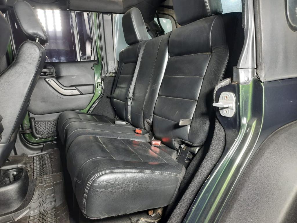 Imagem do veículo JEEP WRANGLER 3.8 UNLIMITED SPORT 4X4 CAPOTA DUPLA V6 GASOLINA 4P AUTOMÁTICO