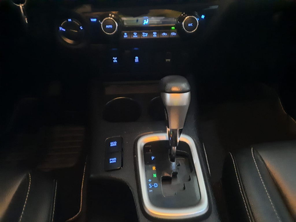 Imagem do veículo TOYOTA HILUX 2.8 D-4D TURBO DIESEL CD SRV 4X4 AUTOMÁTICO