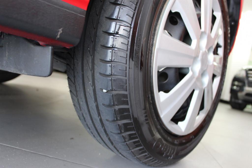 Imagem do veículo Onix LT 1.4 8V 2013/2014 Completo, pneus novos, Kit mult mídia !