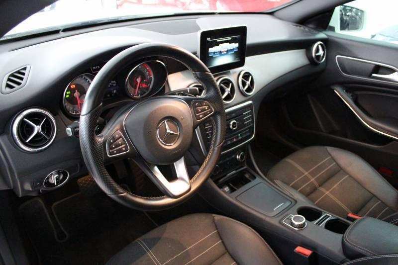 Imagem do veículo Mercedes CLA 200 Urban 2015/2015 1.6 156CV 4 Pneus Novos , toda revisada na Mercedes !
