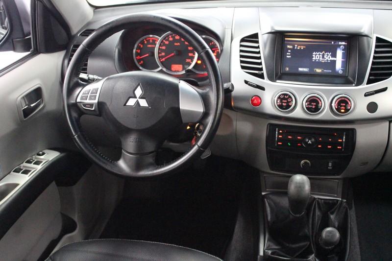 Imagem do veículo L200 Triton 3.2 HPE 2014/2015 4X4 CD TD INTERCOOLER , Cambio Manual !