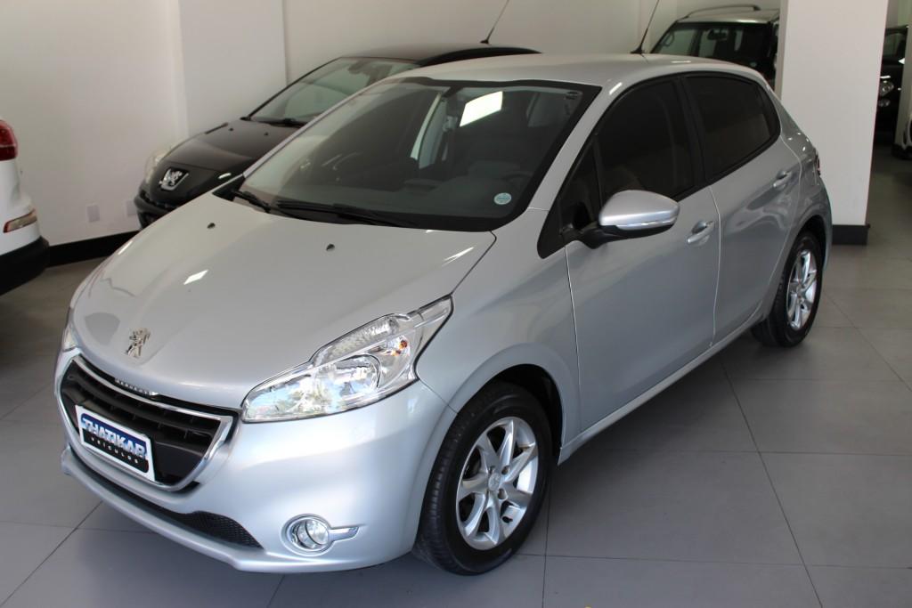 208 1.5 Active Pack 2013/2014 Completo, Única Dona, Todas as Revisões na Peugeot !