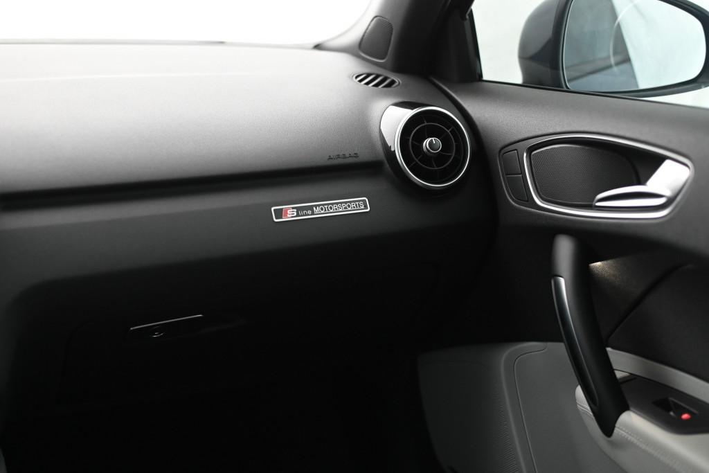 Imagem do veículo AUDI A1 SPORT 1.4 16V TFSI 2P AUT./2013