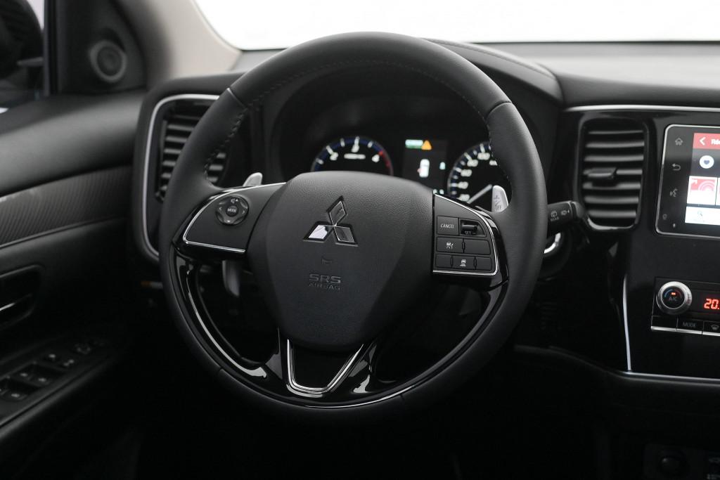 Imagem do veículo MITSUBISHI OUTLANDER HPE-S 2.2 AWD DIESEL (7 LUGARES) AUT./2020