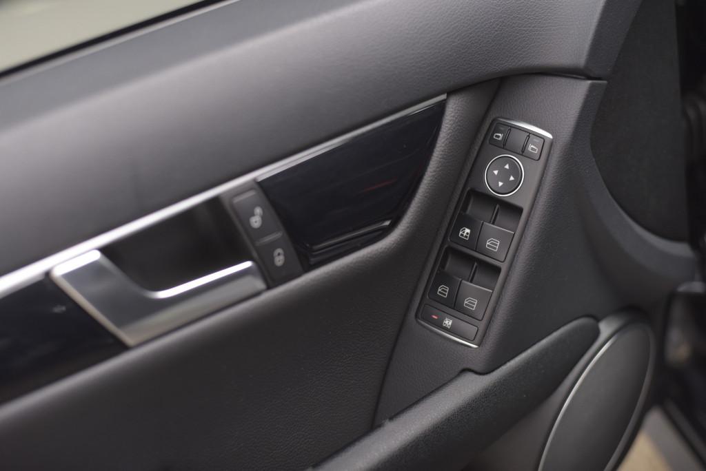 Imagem do veículo MERCEDES-BENZ C 200 CGI AVANTGARDE 1.8T AUT/2014