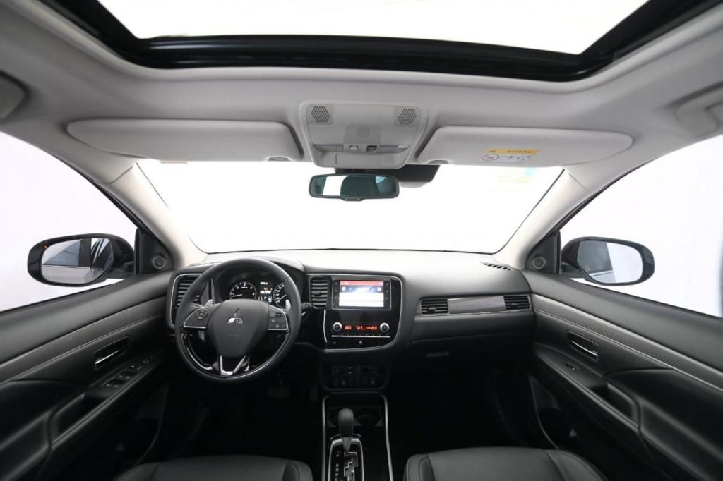 Imagem do veículo MITSUBISHI OUTLANDER HPE-S 2.2 Diesel 4x4 Aut. 2020