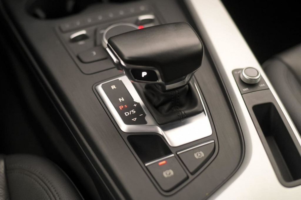 Imagem do veículo AUDI A4 ATTRACTION 2.0 TFSI AUT./SEQ. 2018