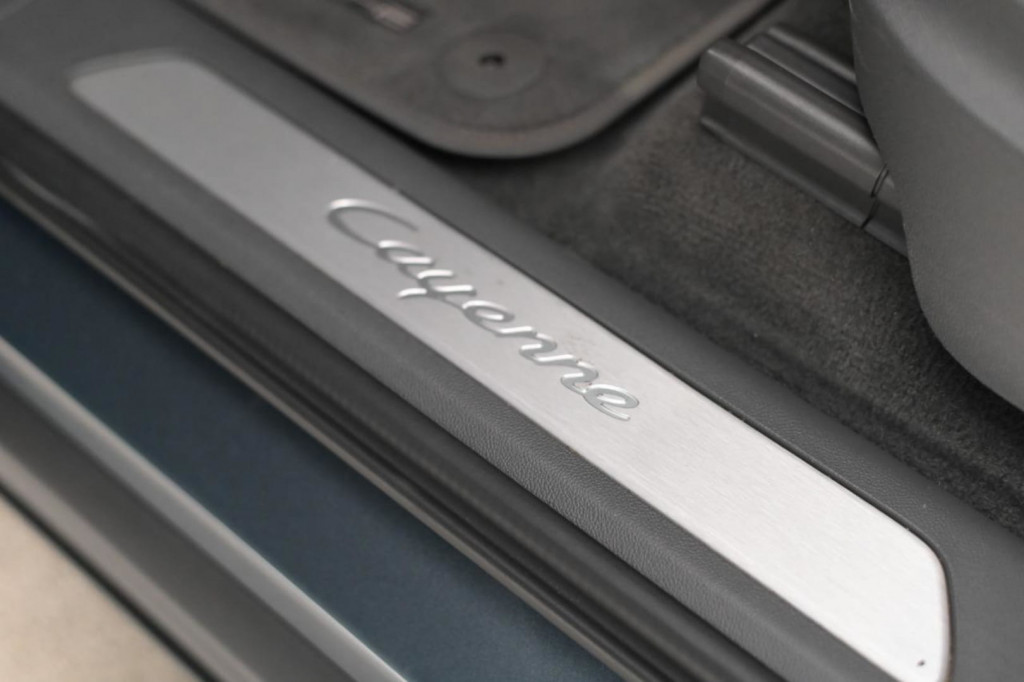 """Imagem do veículo PORSCHE CAYENNE 3.0 TURBO V6 340CV AWD ARO 22"""" AUT./2019"""