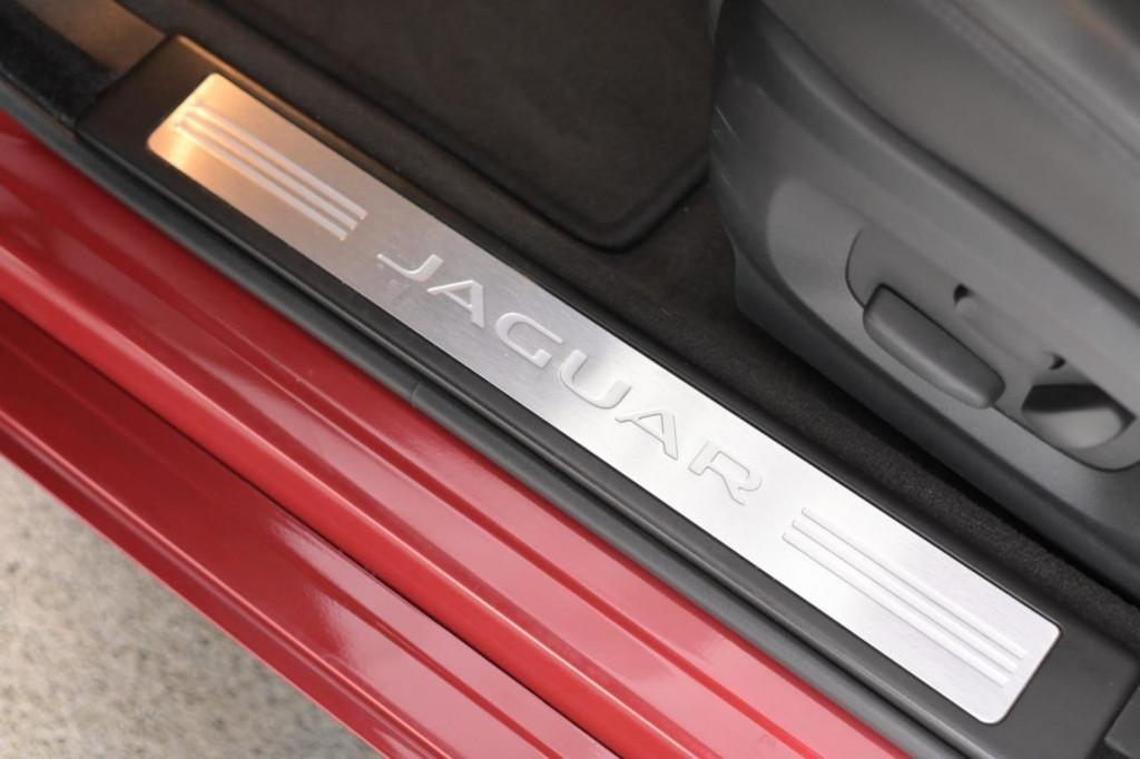 Imagem do veículo JAGUAR XF SPORT LUXURY 2.0T 240CV C/TETO AUT./2015
