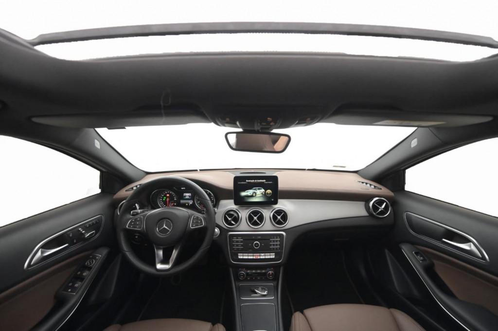 Imagem do veículo MERCEDES-BENZ GLA 200 CGI ENDURO 1.6 TURBO C/TETO/2018