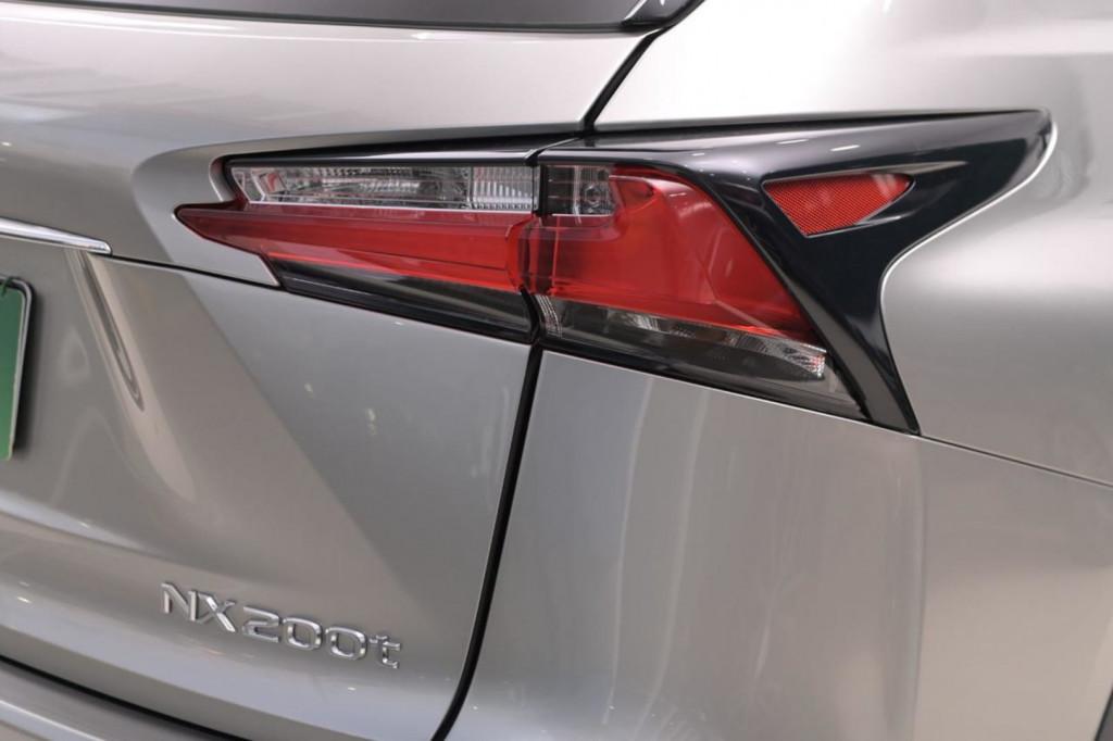 Imagem do veículo LEXUS NX200T F-SPORT 2.0 TURBO AWD C/TETO AUT/2017
