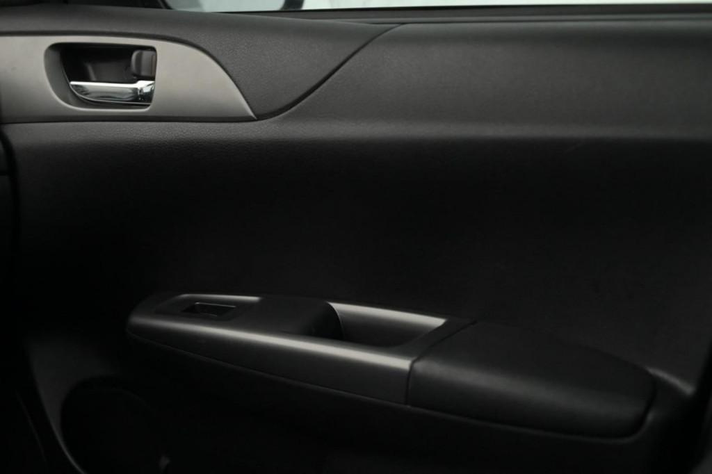 Imagem do veículo SUBARU IMPREZA SEDAN 2.0 160CV C/TETO AUT./2011