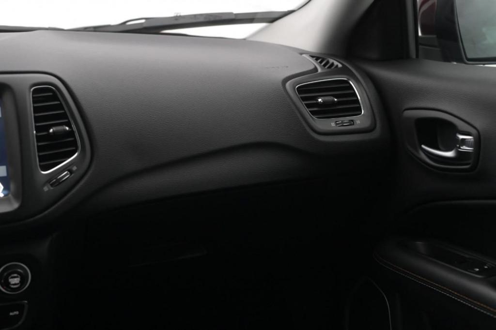 Imagem do veículo JEEP COMPASS LONGITUDE 2.0 TDI 4X4 (PACK PREMIUM) AUT/2018