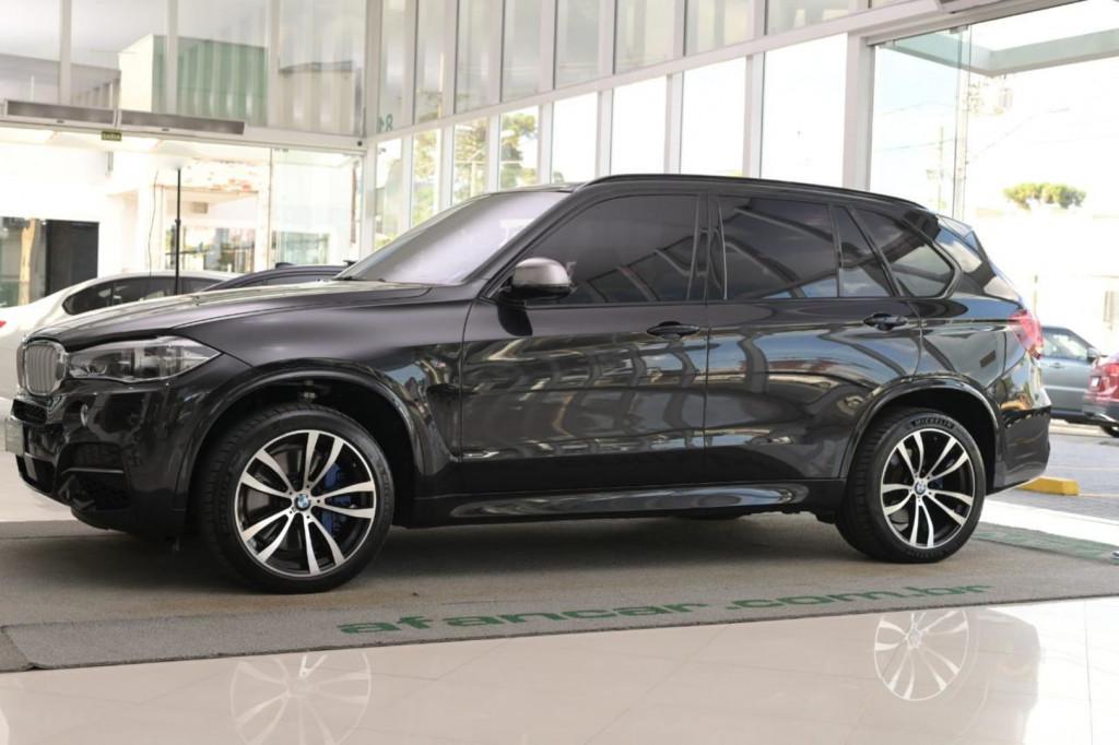 BMW X5 M50D 3.0 TRI-TURBO DIESEL 381CV 4X4 C/TETO AUT/2018