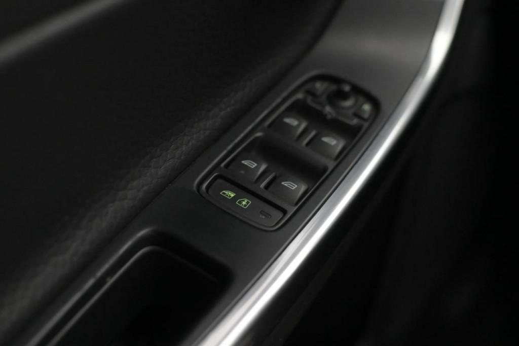 Imagem do veículo VOLVO S60 T5 DYNAMIC 2.0T 240CV C/TETO AUT/2012