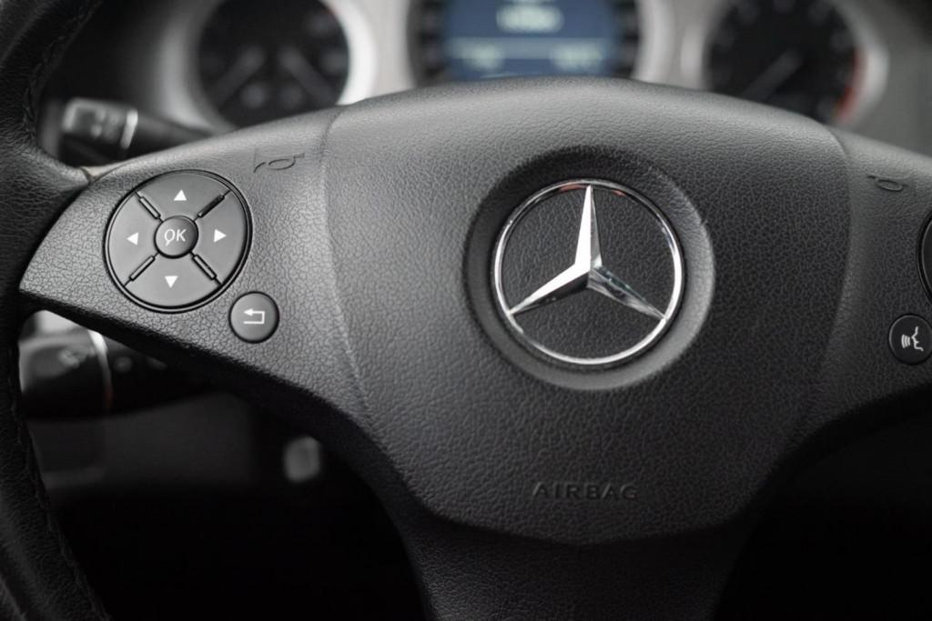 Imagem do veículo MERCEDES BENZ GLK 280 3.0 V6 4MATIC AUT./2009