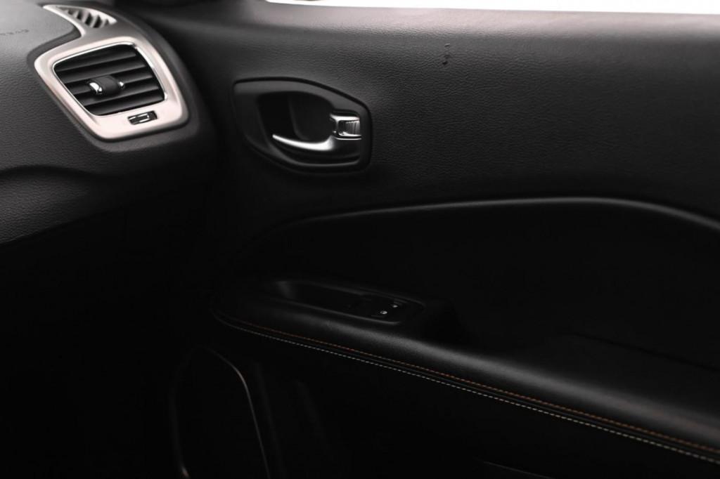 Imagem do veículo JEEP COMPASS LONGITUDE 2.0 FLEX 166CV AUT/2019