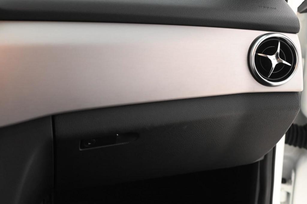 Imagem do veículo MERCEDES-BENZ GLK220 CDI  2.1TDI 170CV  4X4 (BLINDADO)/2013