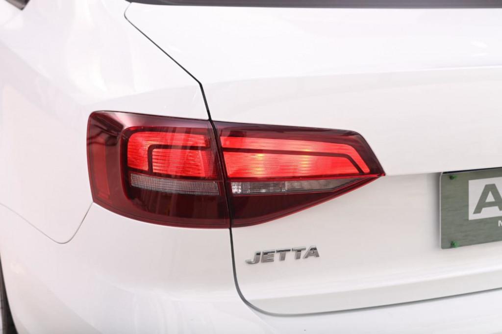Imagem do veículo VOLKSWAGEN JETTA COMFORTLINE 1.4TSI 150CV C/TETO AUT/2017