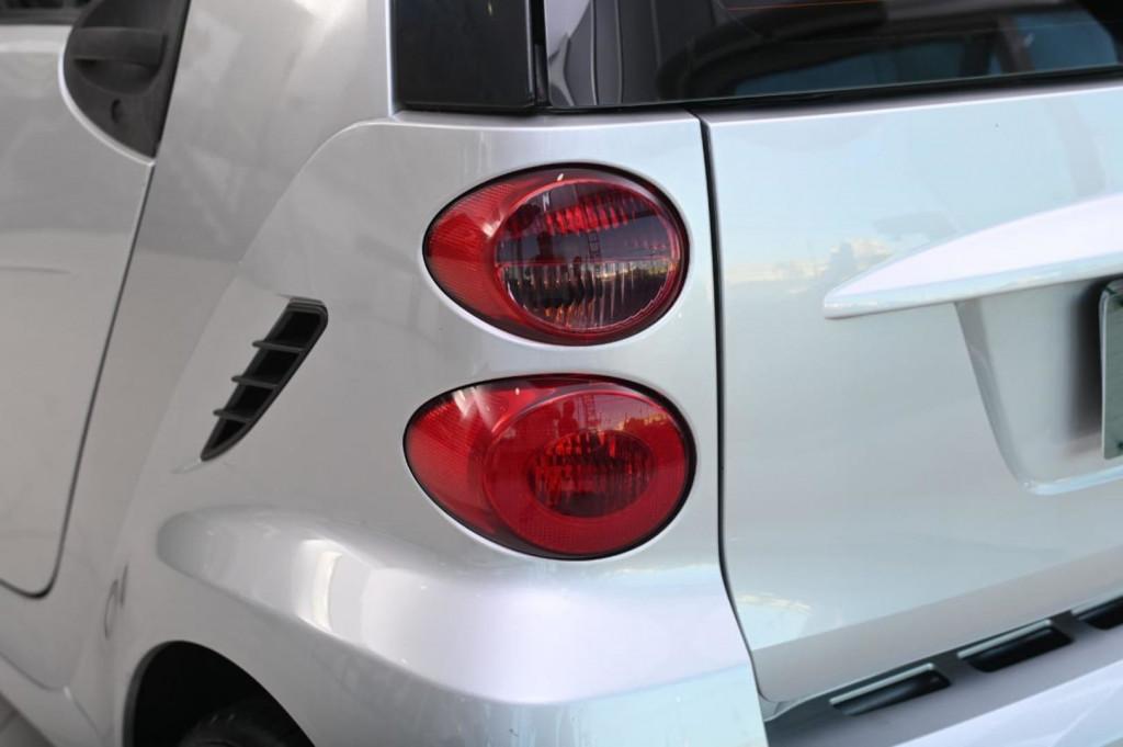 Imagem do veículo SMART FORTWO COUPE PASSION 1.0T (TETO PANORÂMICO) AUT./2012