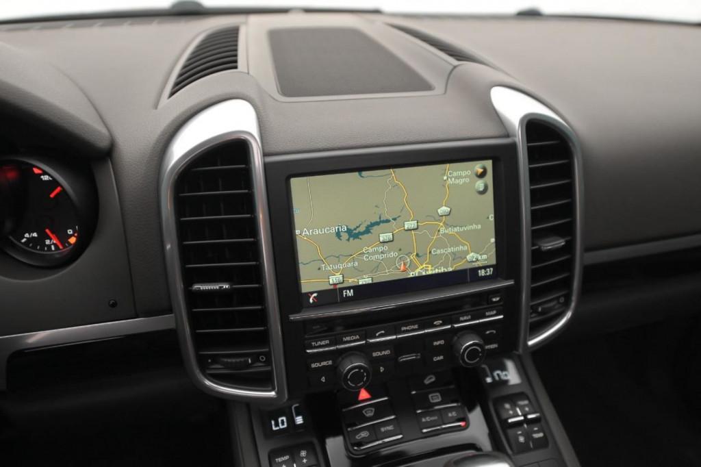Imagem do veículo PORSCHE CAYENNE S 3.6 V6 BI-TURBO 420CV AWD C/TETO/2016