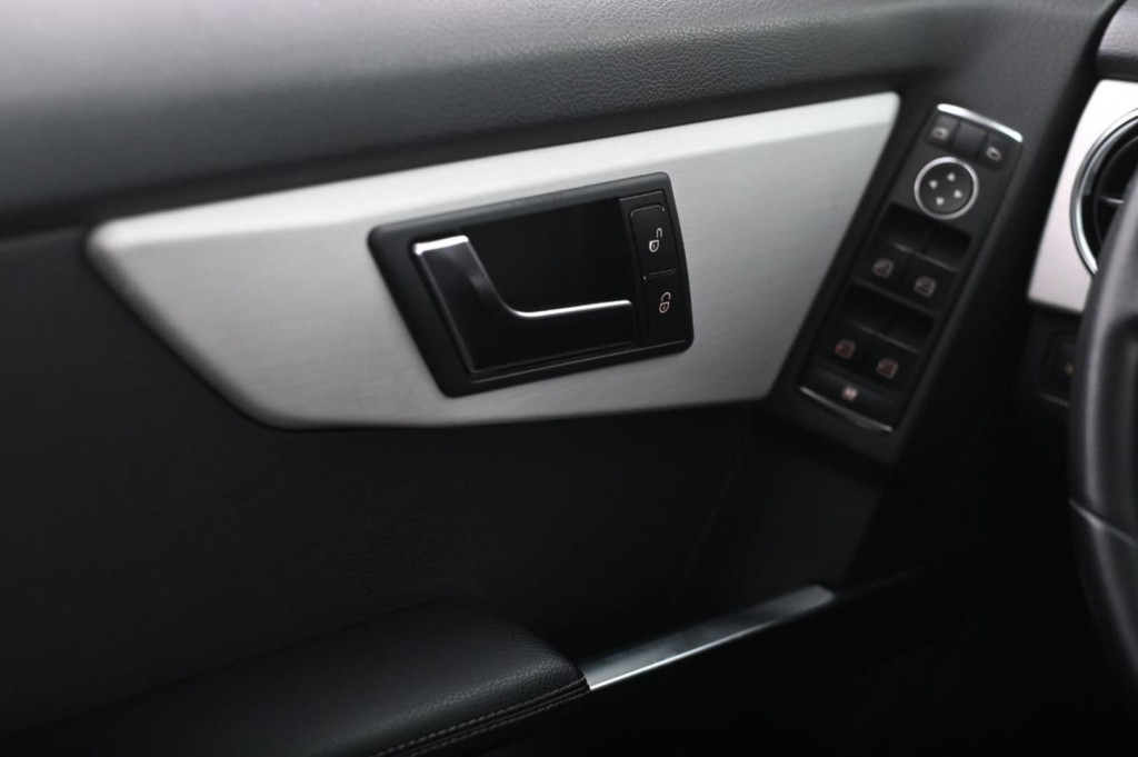 Imagem do veículo MERCEDES-BENZ GLK220 CDI 2.1TDI 170CV 4x4 AUT/2013