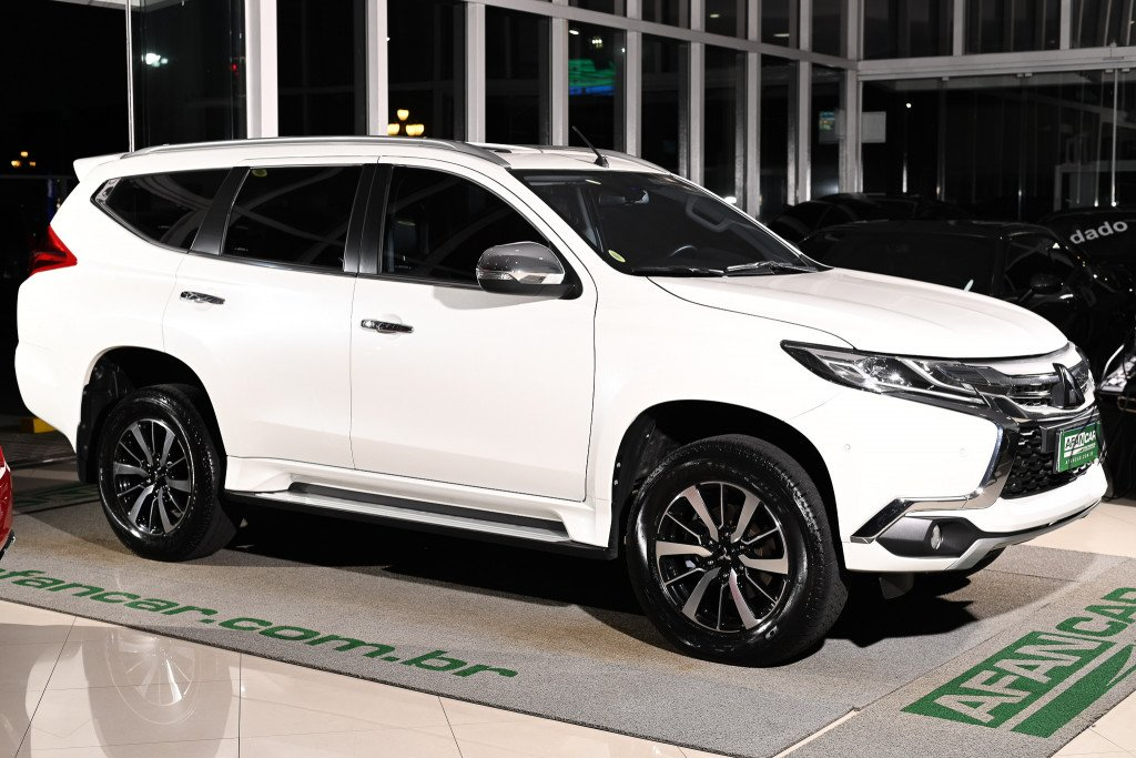 Imagem do veículo MITSUBISHI PAJERO SPORT HPE 2.4 16V AWD DIESEL (7 LUGARES) AUT./2020