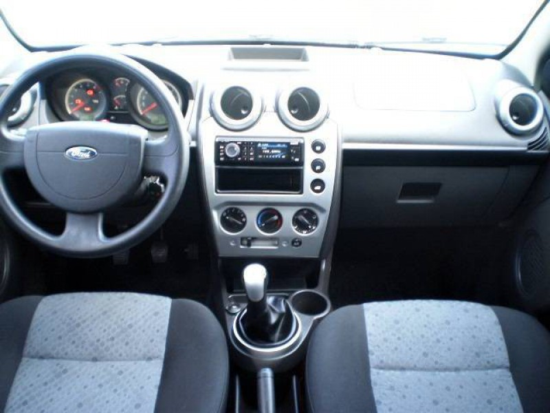 Imagem do veículo FORD FIESTA HATCH 1.6 8V FLEX 4P MANUAL