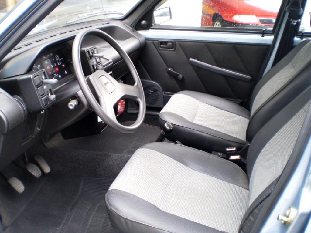 Imagem do veículo FIAT UNO 1.0 MILLE 8V GASOLINA 4P MANUAL