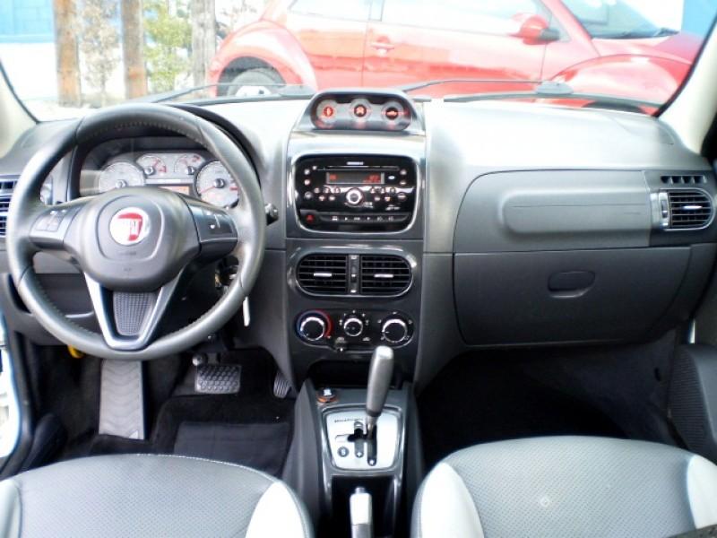 Imagem do veículo FIAT STRADA 1.8 MPI ADVENTURE LOCKER CD 16V FLEX 2P AUTO