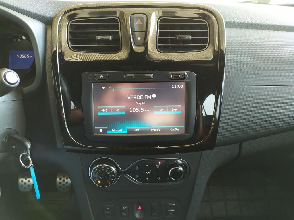 Imagem do veículo RENAULT SANDERO 2.0 16V HI-FLEX RS RACING SPIRIT MANUAL