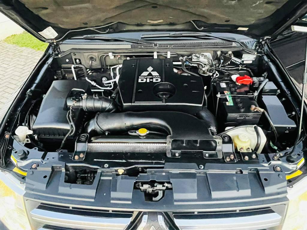 Imagem do veículo MITSUBISHI PAJERO FULL 3.2 HPE 4X4 16V TURBO INTERCOOLER DIESEL 4P AUTOMÁTICO