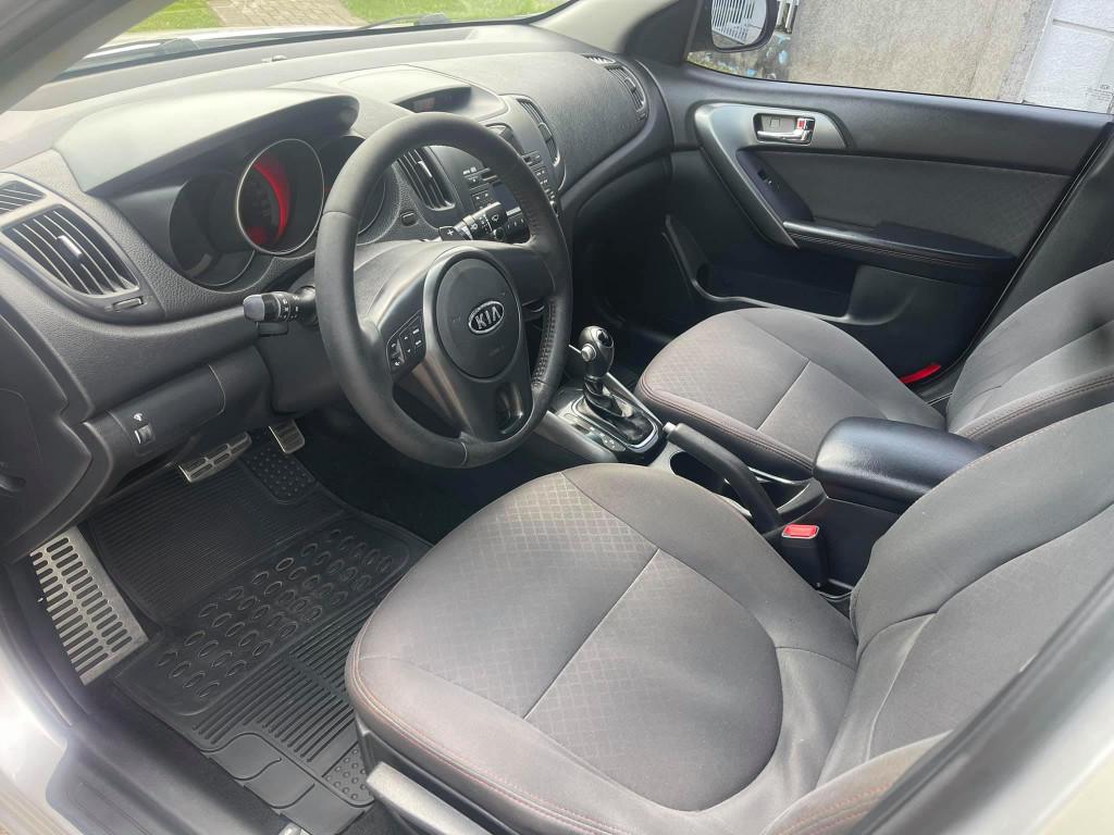 Imagem do veículo KIA CERATO 1.6 EX SEDAN 16V GASOLINA 4P AUTOMÁTICO
