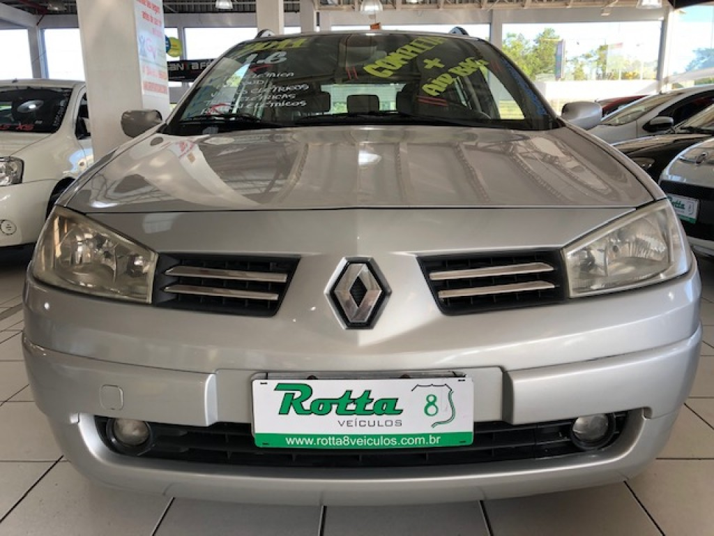 RENAULT MEGANE GRAND TOUR 1.6 DYNAMIQUE  FLEX MANUAL 2011 - EXCELENTE PERUA!
