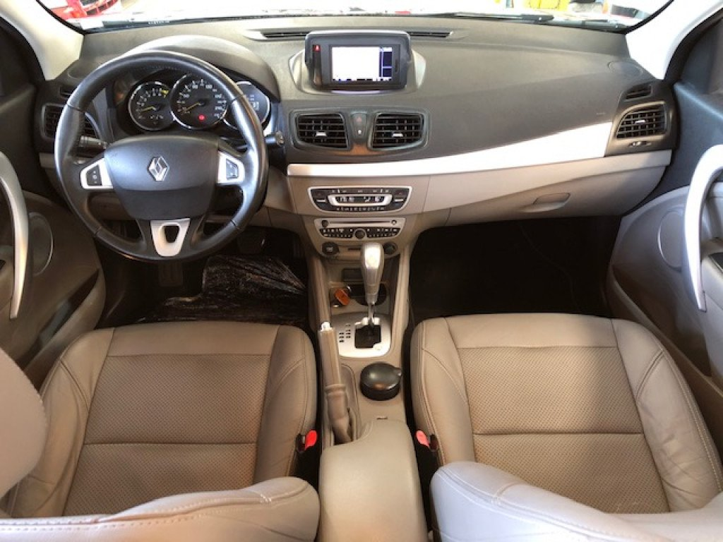 Imagem do veículo RENAULT FLUENCE 2.0 PRIVILÉGE FLEX AUTOMÁTICO CVT 2013 - TOP DE LINHA - VEÍCULO CONSERVADO MUITO ACIMA DA MÉDIA!!
