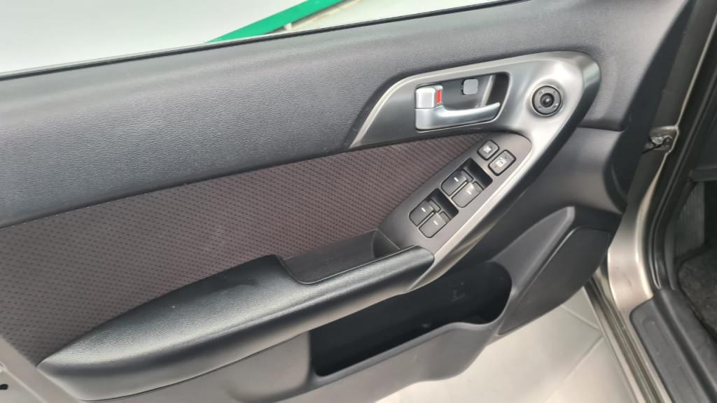 Imagem do veículo CERATO 1.6 EX SEDAN 16V GASOLINA 4P AUTOMÁTICO - IMPECAVEL !!!