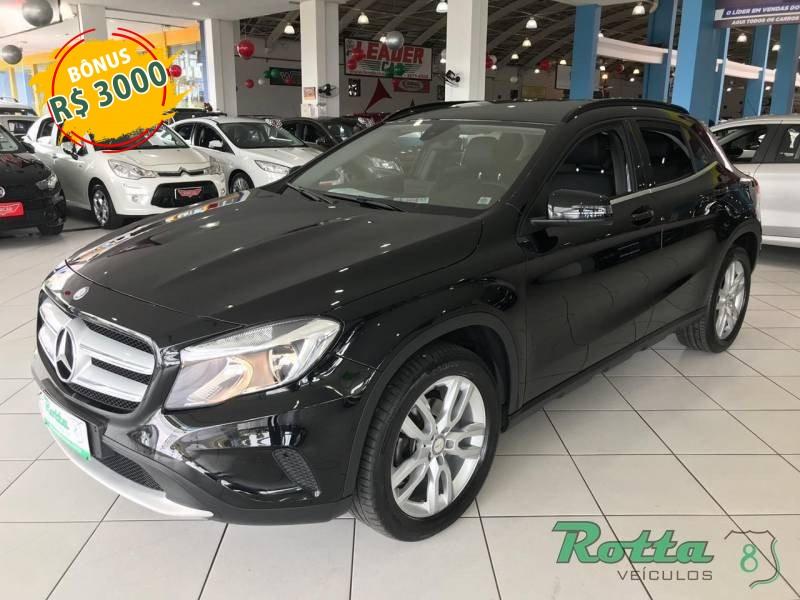 Mercedes GLA 200 1.6 Sport - Preto - 2017