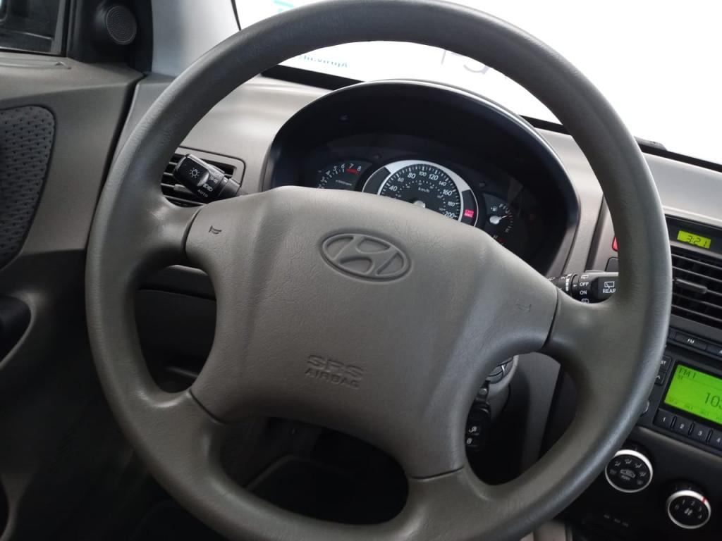 Imagem do veículo TUCSON 2.0 GL 2WD 16V GASOLINA 4P MANUAL - com apenas 84 mil km !!!