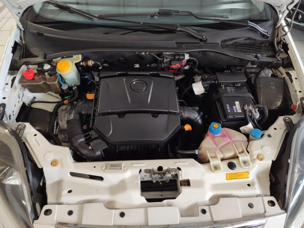 Imagem do veículo FIAT PUNTO 1.6 ESSENCE 16V FLEX 4P AUTOMATICO 2014 - ÚNICO DONO + STEP SEM USO APENAS 83 MIL KM