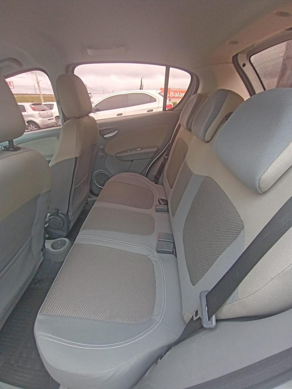 Imagem do veículo FIAT PALIO 1.6 mpi essence 16v flex 4p manual