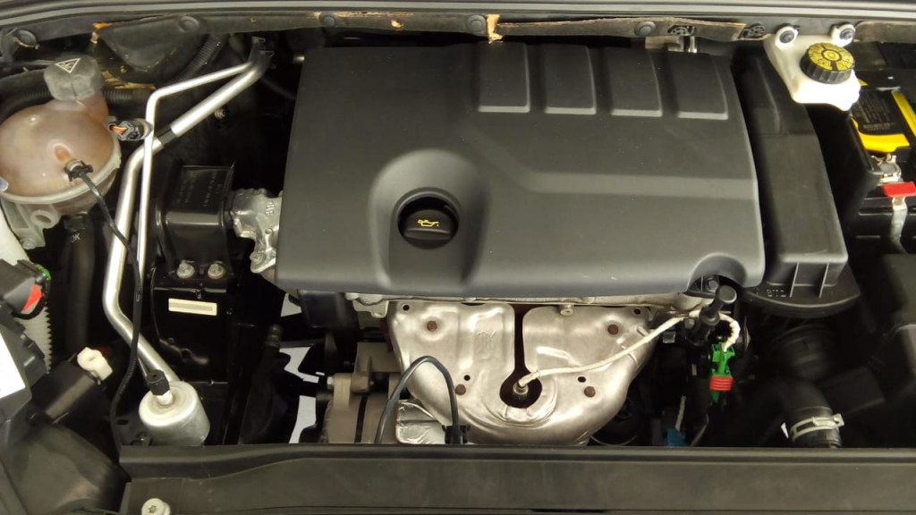 Imagem do veículo 308 1.6 active 16v flex + teto panoramico !!!
