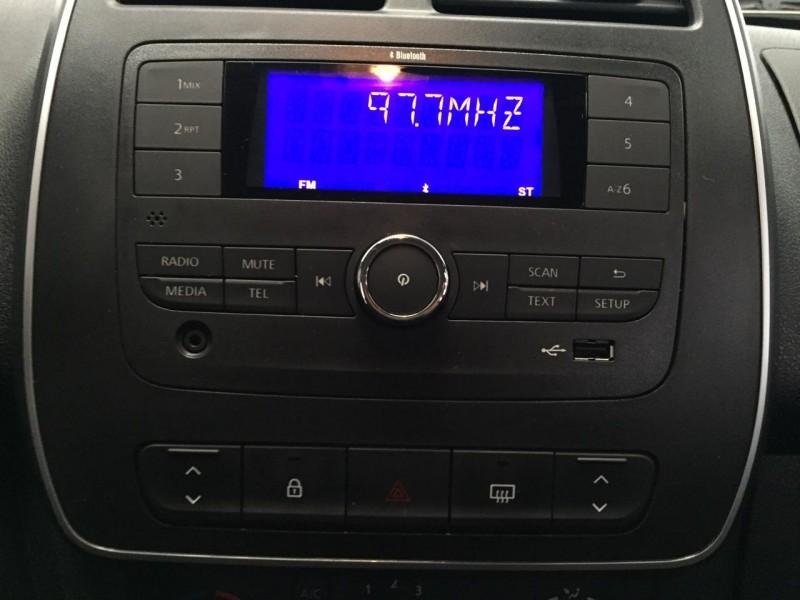 Imagem do veículo KWID 1.0 12V SCE FLEX ZEN MANUAL-COM APENAS 19 MIL KM !!!