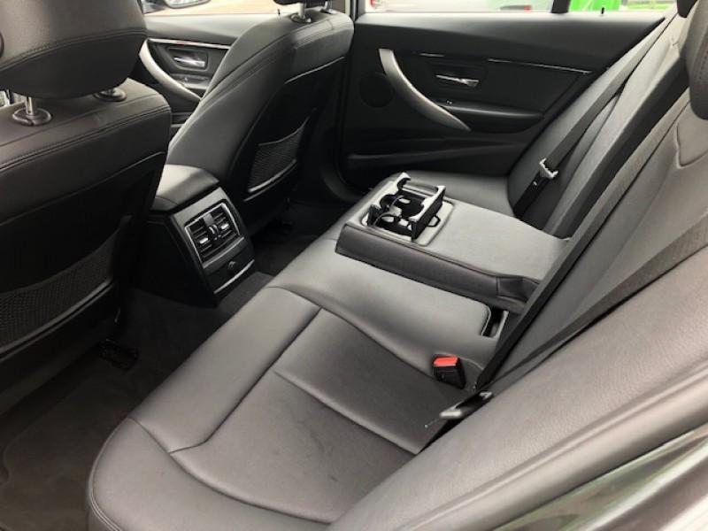 Imagem do veículo BMW 320i 2.0 TURBO ACTIVE - COM TETO SOLAR - ABSURDAMENTE CONSERVADA!!!