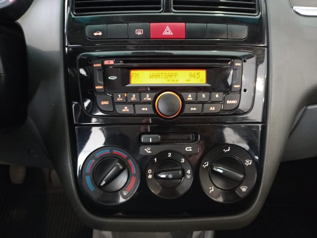 Imagem do veículo LINEA 1.8 essence 16v flex 4p manual