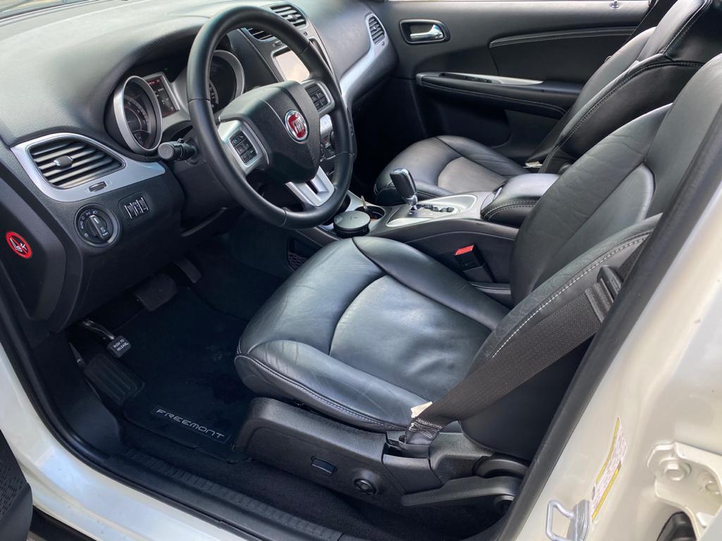 Imagem do veículo FIAT FREEMONT 2.4 PRECISION 16V GASOLINA 4P AUTOMÁTICO