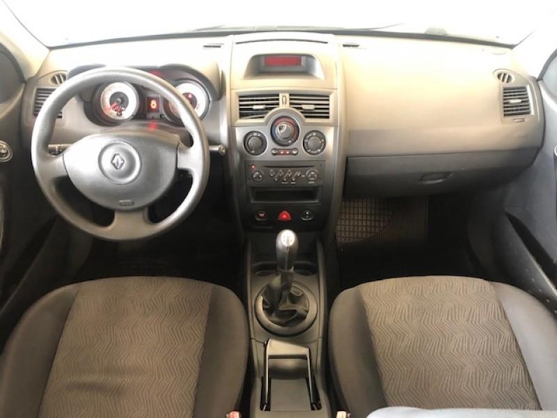 Imagem do veículo RENAULT MEGANE 1.6 2011 - QUALIDADE ACIMA DA MÉDIA!!