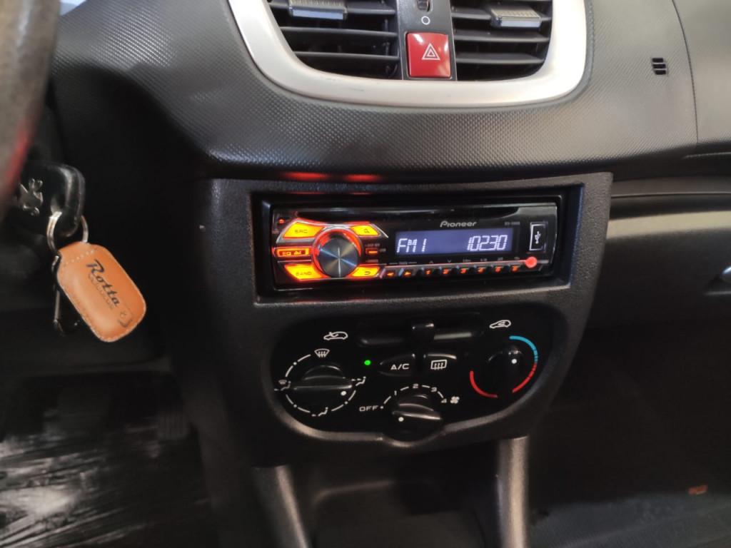 Imagem do veículo PEUGEOT 207 1.4 XR 8vFlex 4p  MANUAL !!! COMPLETO C/ ENGATE!!!